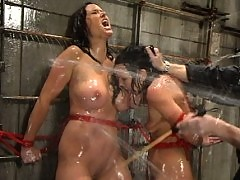 Julie Night and Christina Carter get along well in WaterBondage